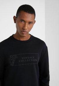 Versace Collection - FELPA GIROCOLLO - Sweatshirt - nero - 4