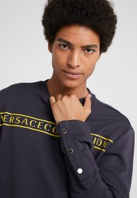Versace Collection - FELPA CON RICAMO - Sweatshirts - blue - 3