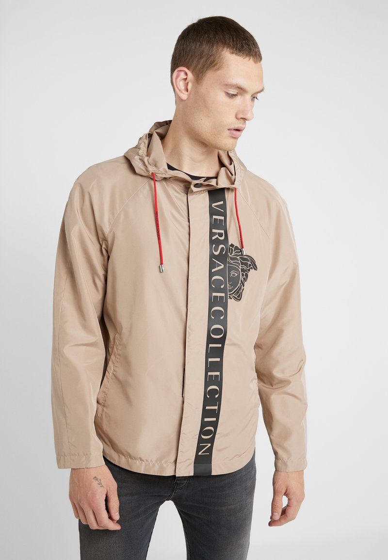 Versace Collection - CAPOSPALLA BLOUSON - Lett jakke - sabbia stampa