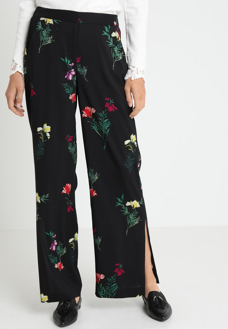 Vince Camuto - TROPICAL GARDEN BOUQUET WIDE LEG PANTS - Bukser - rich black