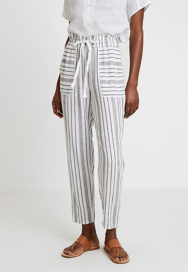 SLIM LEG PULL ON STRIPE PANTS - Tygbyxor - ultra white