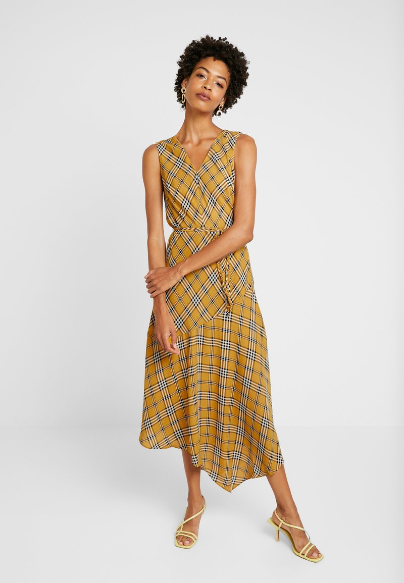 Vince Camuto - HIGHLAND PLAID BELTED DRESS - Freizeitkleid - honey pot