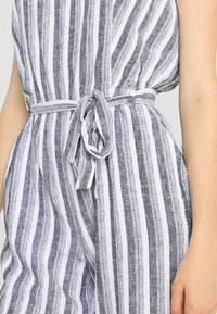 Vince Camuto - SHORE STRIPE BELTED - Jumpsuit - ultra white - 6