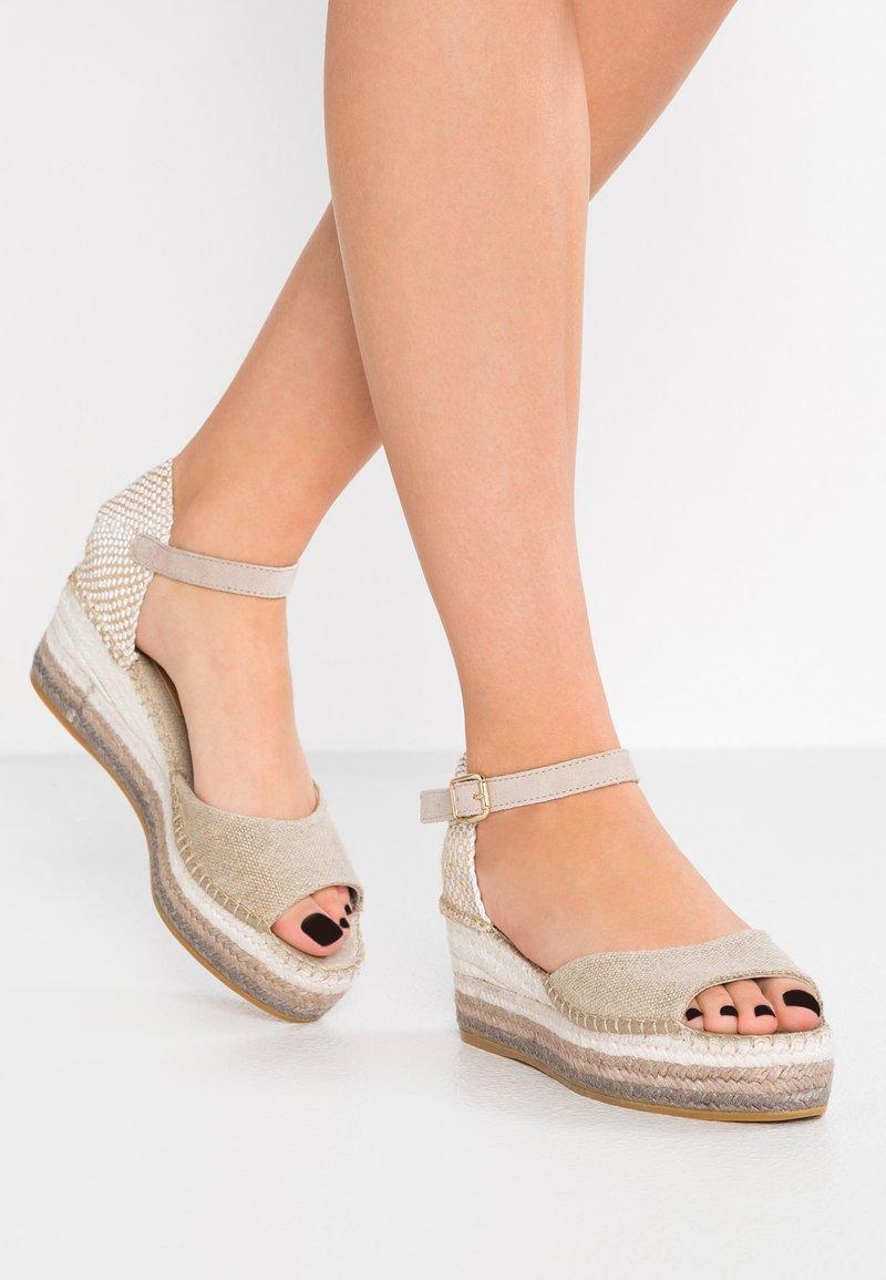 Vidorreta - Sandalen met plateauzool - offwhite