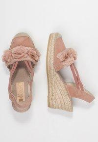 Vidorreta - Sandály na platformě - nude - 3