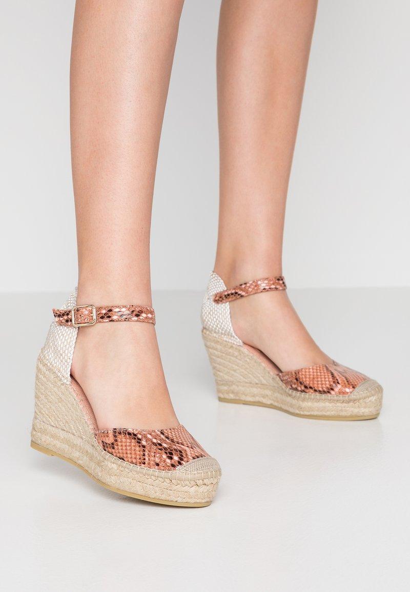 Vidorreta - SERPIENTE - Korolliset sandaalit - coral