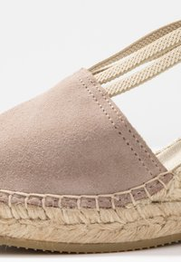 Vidorreta - Sandaletter med kilklack - piedra - 2