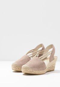 Vidorreta - Sandaletter med kilklack - piedra - 4
