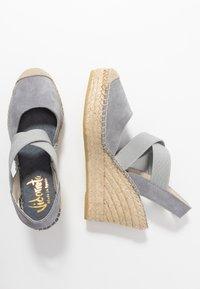 Vidorreta - High heeled sandals - gris - 3