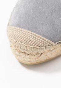 Vidorreta - High heeled sandals - gris - 2