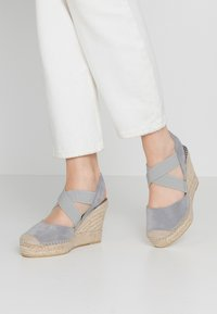 Vidorreta - High heeled sandals - gris - 0