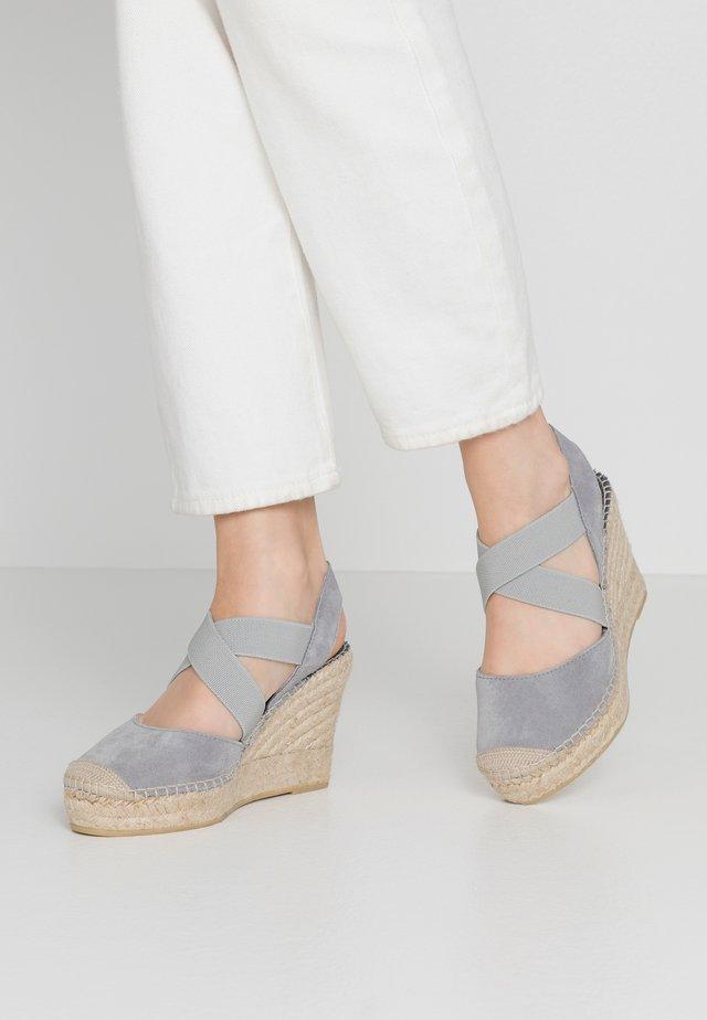 High heeled sandals - gris