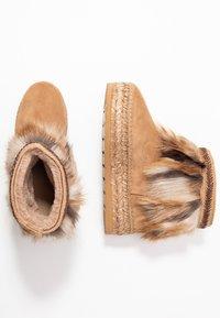 Vidorreta - Winter boots - camel - 3