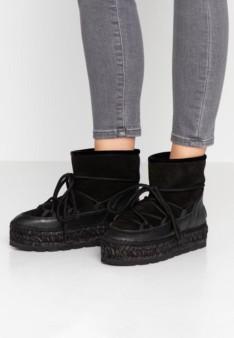 Vidorreta - Botines con plataforma - black