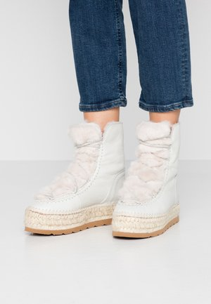 Winter boots - crudo