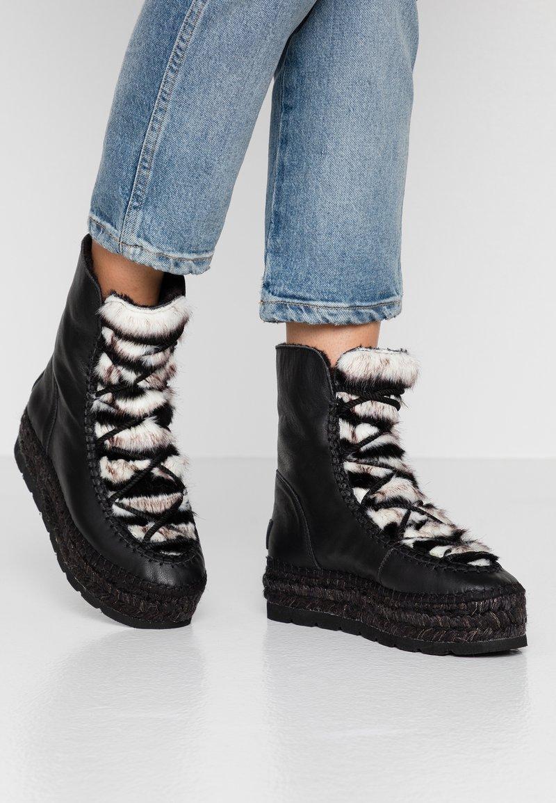 Vidorreta - Zimní obuv - black