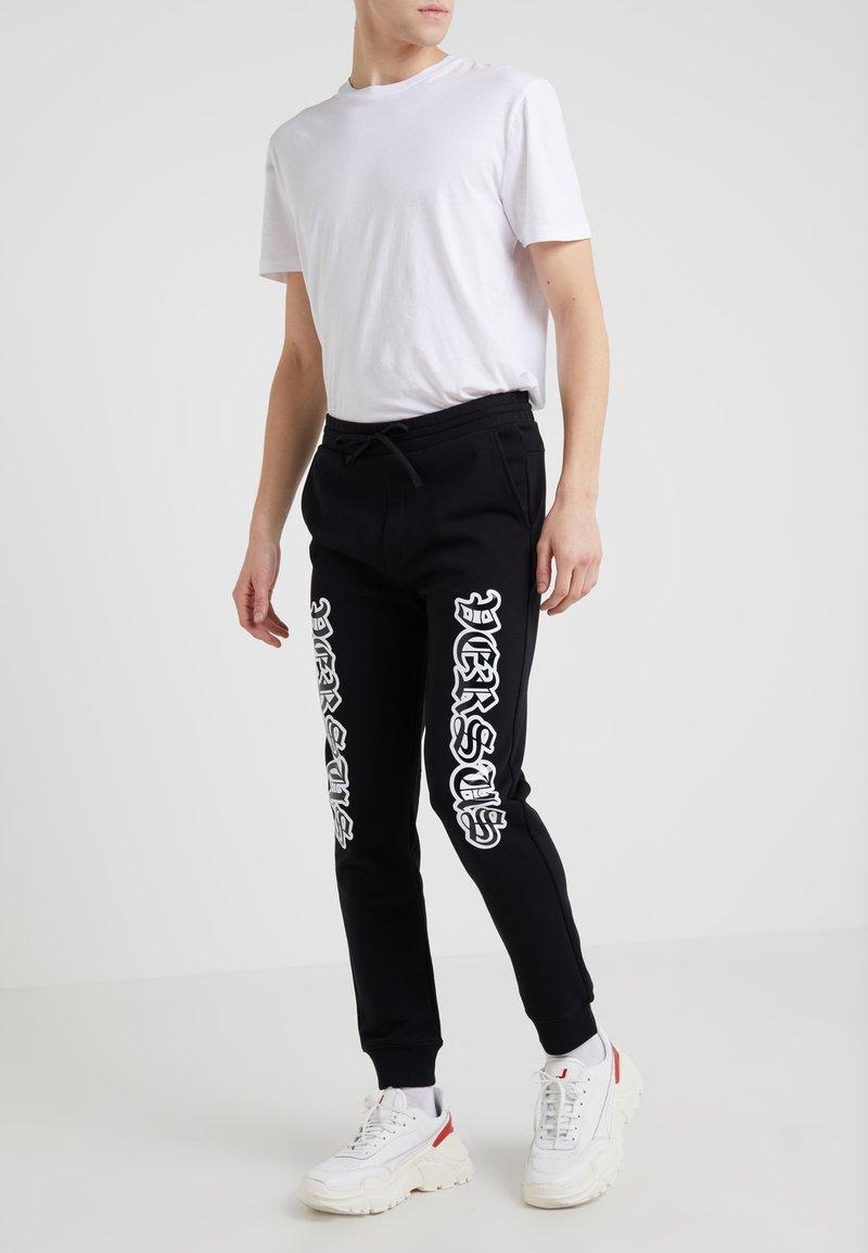 Versus Versace - SPORTIVO PANTALONE SLIM - Jogginghose - black