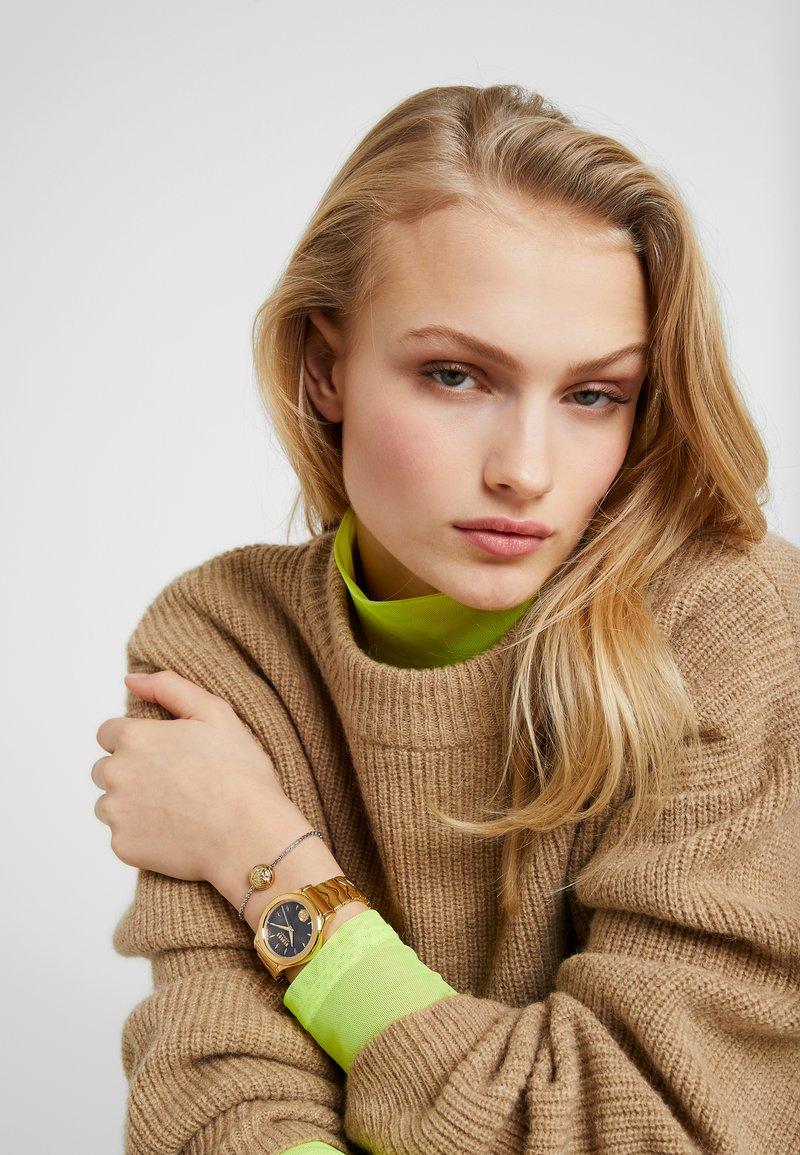 Versus Versace - MOUNT PLEASANT BOX SET - Horloge - gold-coloured