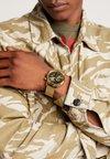 Versus Versace - VERSUS EUGÈNE - Chronograph watch - gold-coloured