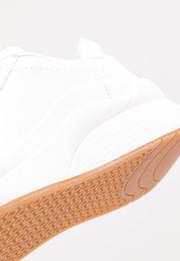 Vero Moda - VMALMA  - Sneakers - snow white - 2