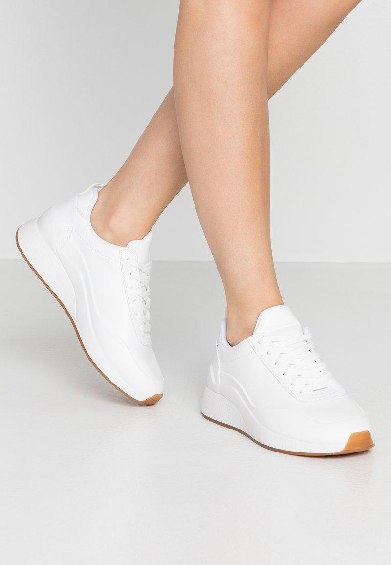 Vero Moda - VMALMA  - Sneakers - snow white