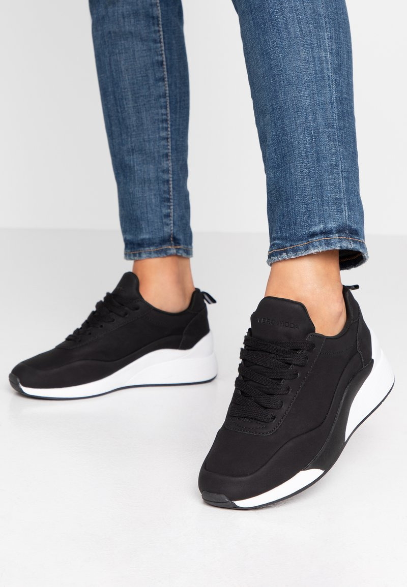 Vero Moda - VMALMA  - Sneaker low - black