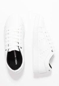 Vero Moda - VMCELINA - Sneaker low - snow white/black - 3