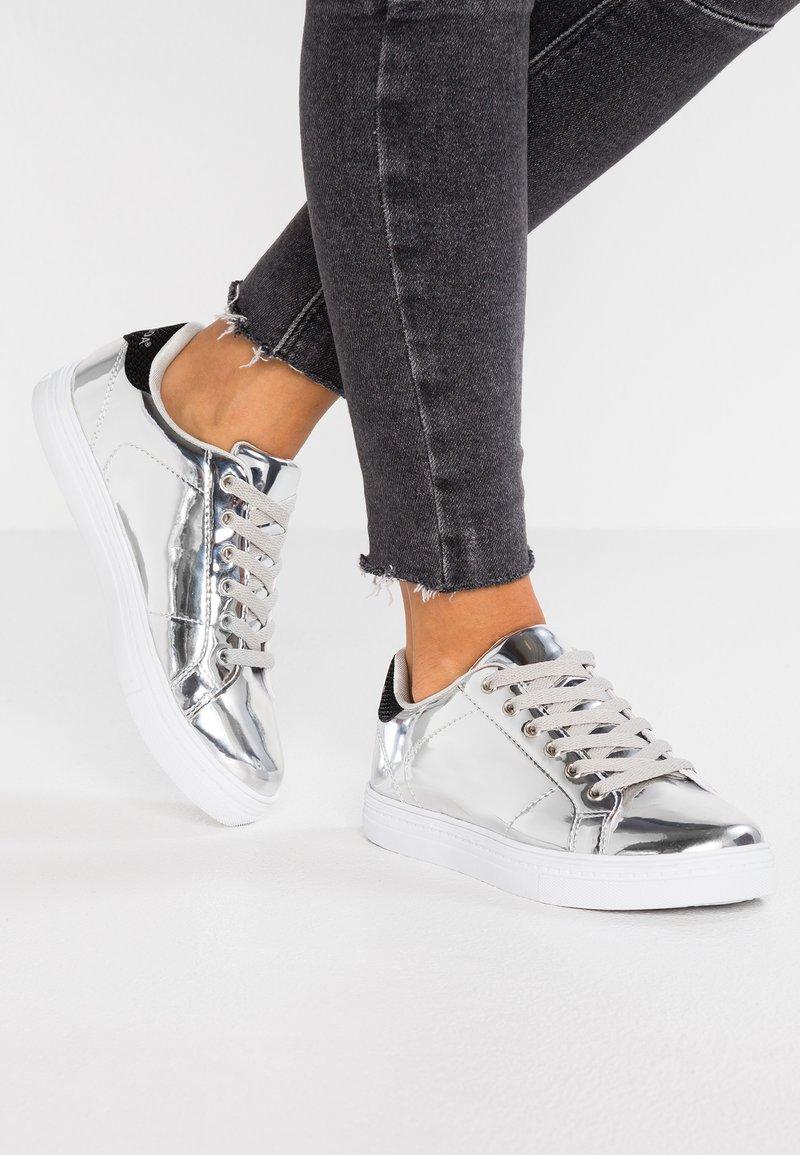 Vero Moda - VMMARY - Baskets basses - silver