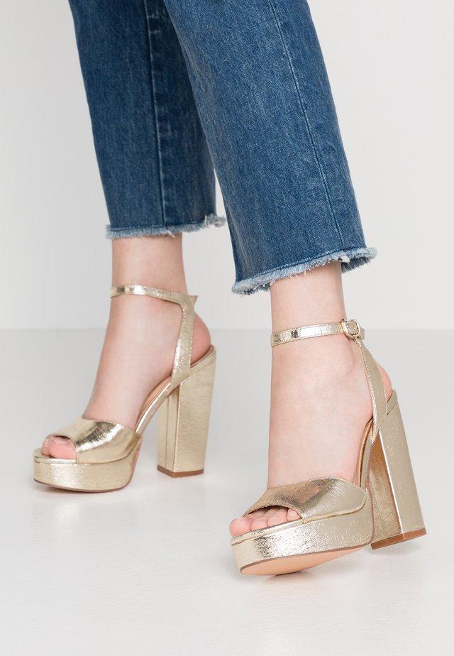 VMASTER - Sandaletter - pale gold