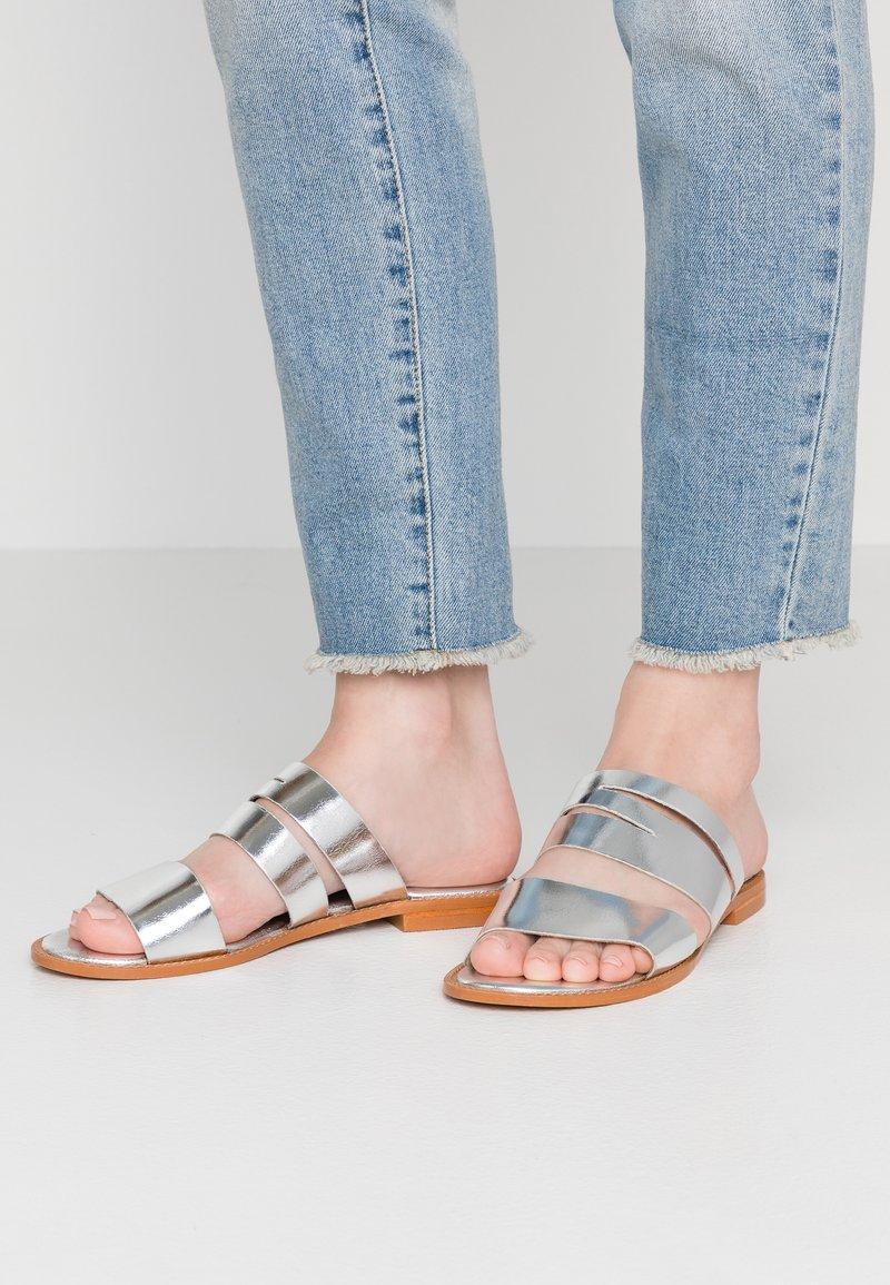 Vero Moda - VMVALI - Mules - silver