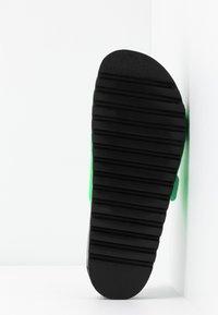 Vero Moda - VMLUNA - Mules - neon green - 6
