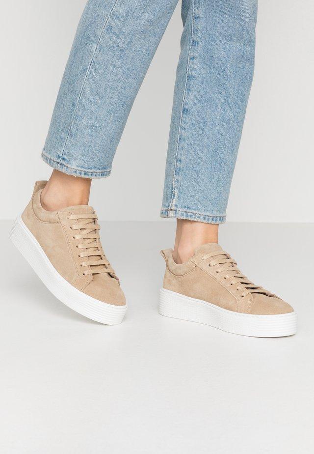 VMKELLA  - Sneaker low - beige