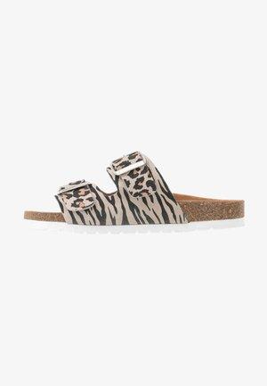 VMALDA  - Domácí obuv - beige