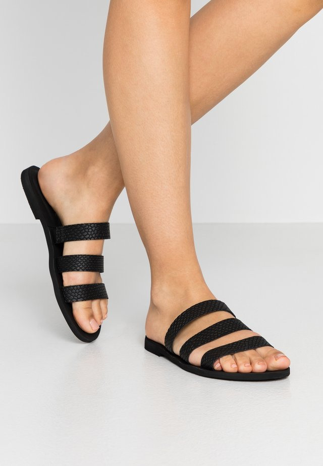 VMEMMIE  - Sandaler - black