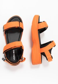 Vero Moda - VMBENILLA - Platform sandals - coral/rose - 3