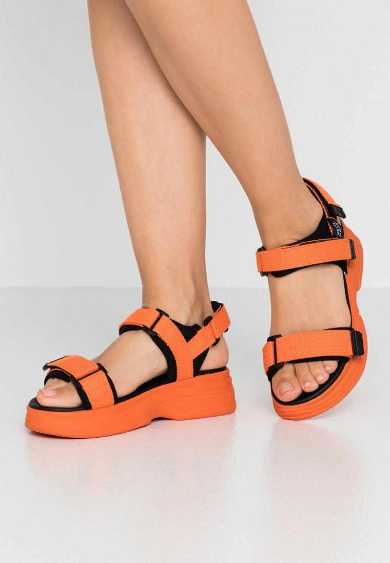 Vero Moda - VMBENILLA - Platform sandals - coral/rose