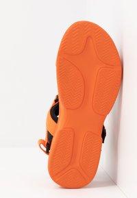 Vero Moda - VMBENILLA - Platform sandals - coral/rose - 6