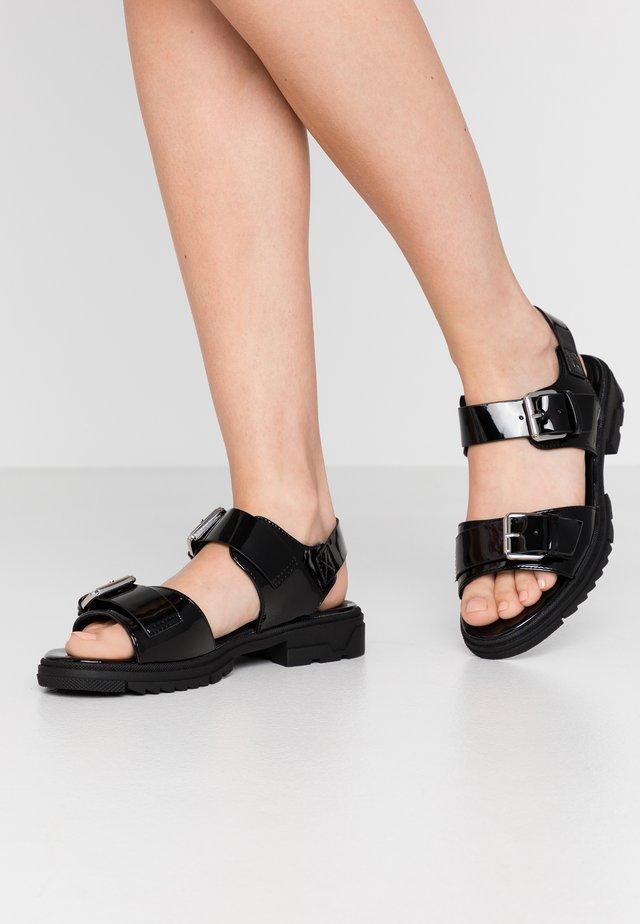 VMLEA  - Sandaalit nilkkaremmillä - black