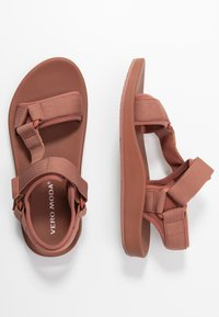 Vero Moda - VMMARY  - Walking sandals - marsala - 3
