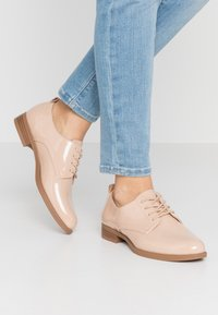 Vero Moda - VMANNELI SHOE - Zapatos de vestir - nude - 0