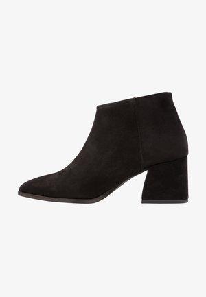VMRONJA - Boots à talons - black