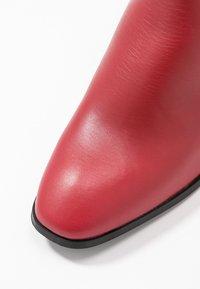 Vero Moda - VMKILAEA BOOT - Støvletter - chinese red - 2