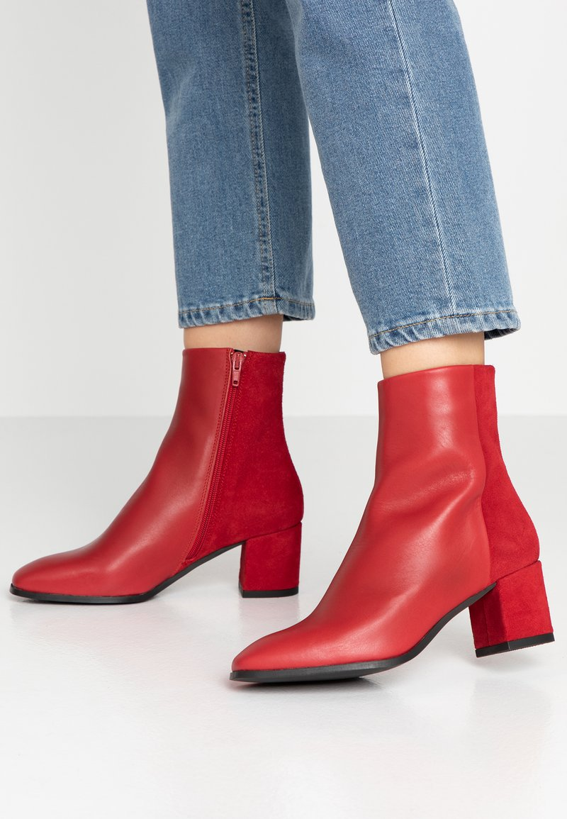 Vero Moda - VMKILAEA BOOT - Classic ankle boots - chinese red