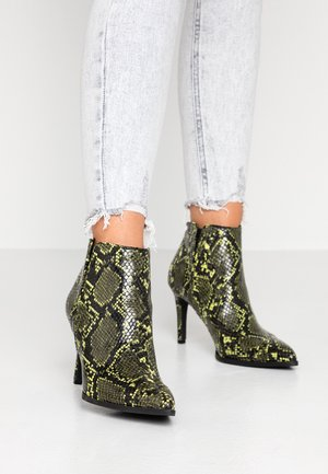 VMSAGE BOOT - High heeled ankle boots - limeade