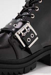 Vero Moda - VMTRI BOOT - Cowboy-/Bikerlaarsjes - black - 2