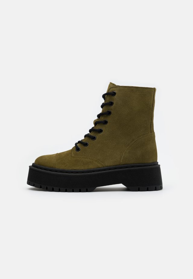 VMPATH BOOT - Platform ankle boots - fir green