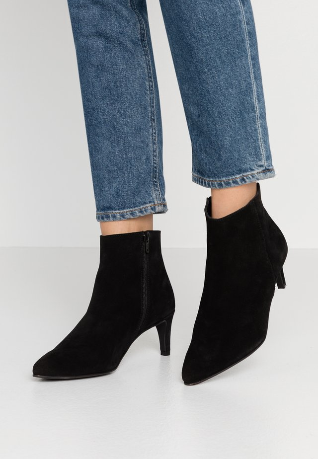 VMIBI  - High heeled ankle boots - black