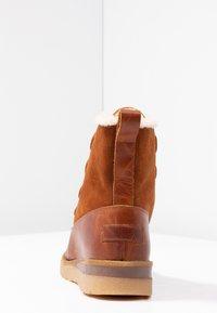Vero Moda - VMANE - Šněrovací kotníkové boty - cognac - 5
