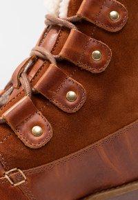 Vero Moda - VMANE - Šněrovací kotníkové boty - cognac - 2