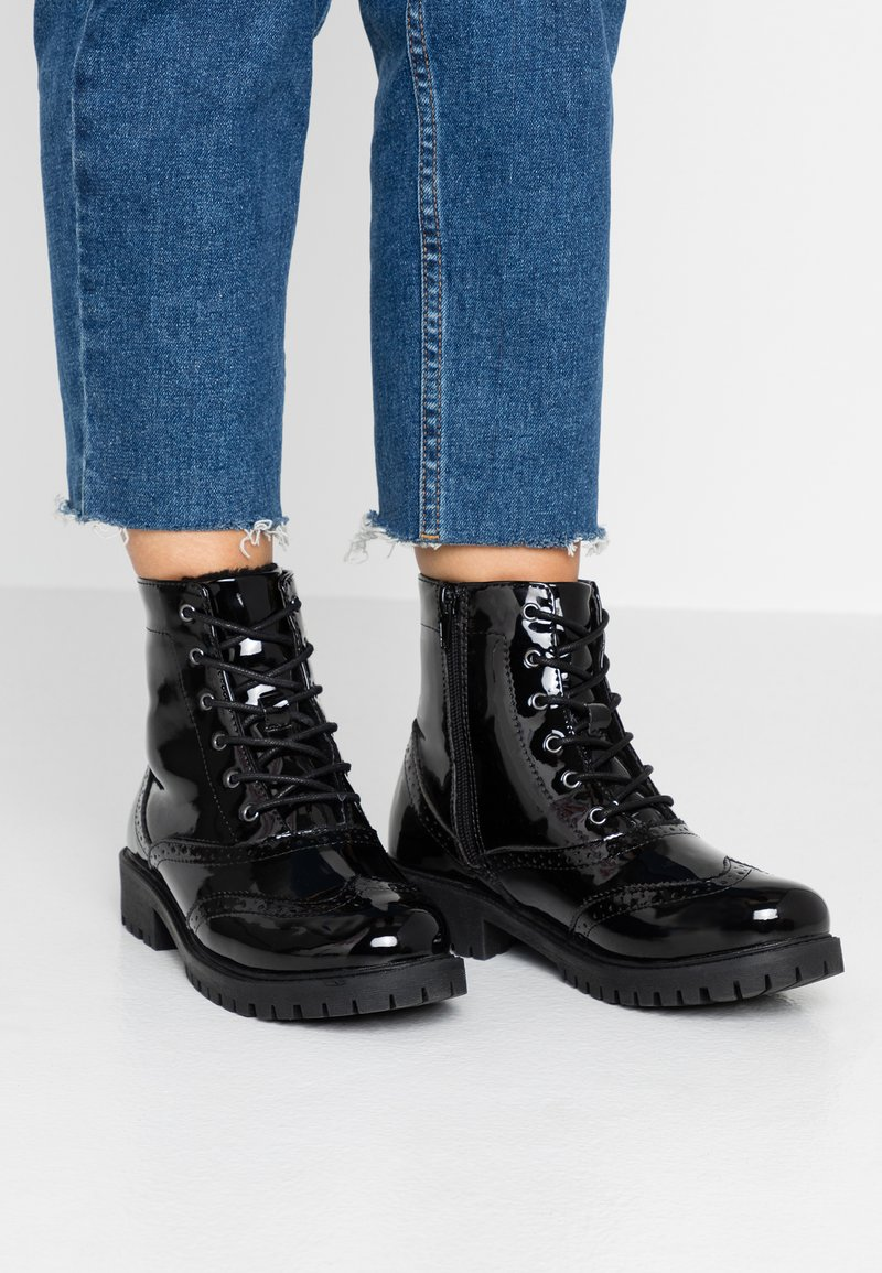 Vero Moda - VMGLORIASIA BOOT - Lace-up ankle boots - black